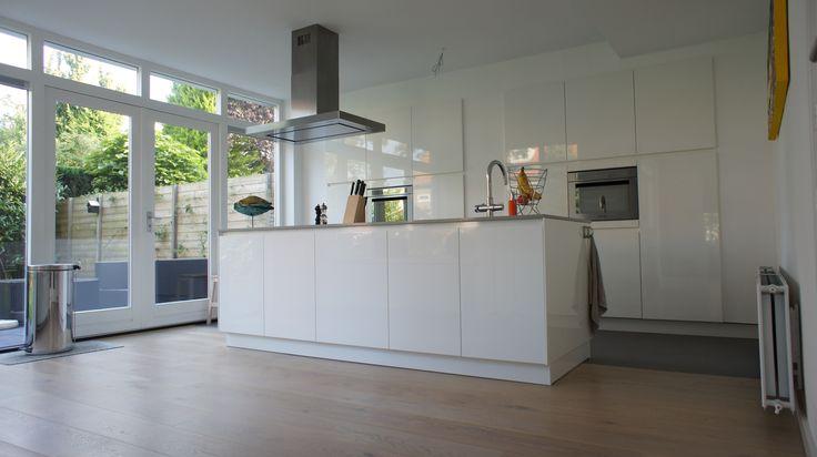 Witte Keuken Grijze Tegels: Luvern witte keuken grijze tegels.