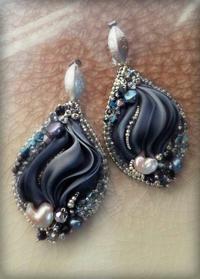 Black shobori silk earrings by Serena Di Mercione
