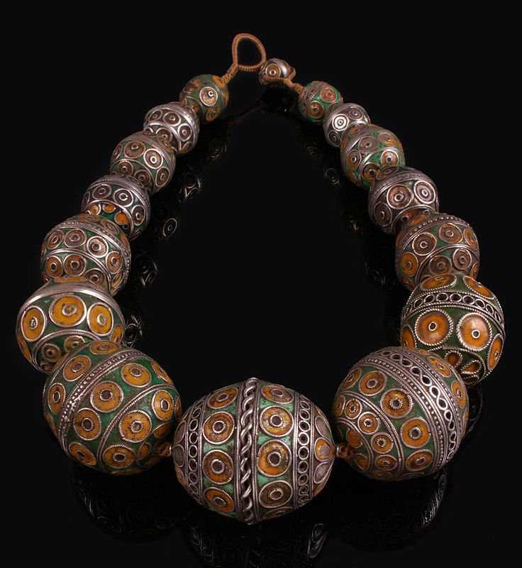 Morocco | Necklace made up of silver and enamel beads from the 19th century | Each of these 'tagamout' beads would originally have hung on a silver chain in the middle of pairs of fibulae | 1950$ ~ sold
