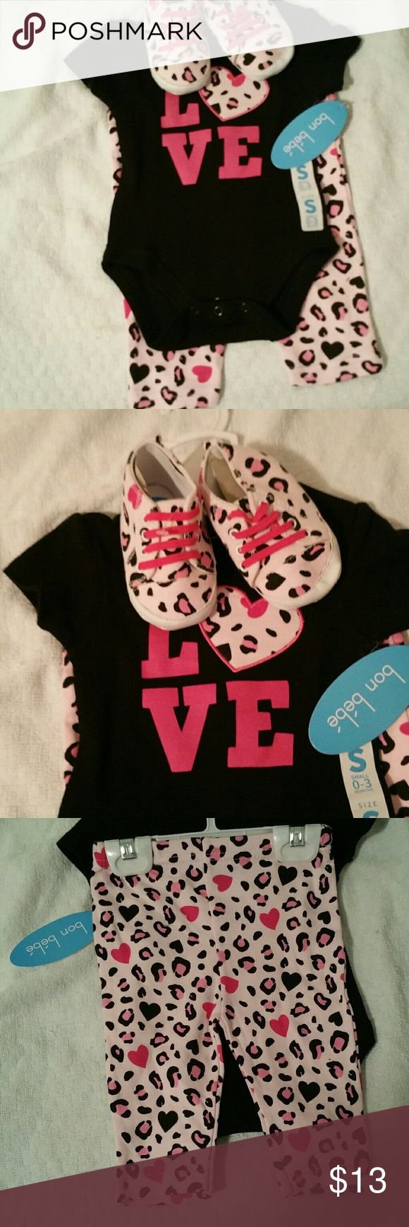 BNWT 3 pc Cheetah Outfit Short Sleeve Onsie, Pants & Shoes Bon Bebe Matching Sets