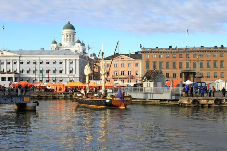 Helsinki was full of things to do also this crispy fall day! We visited the herring market and participated in a sailing competition for old sailing ships in the crew of ms Kathriina. Always worth a stopover!
