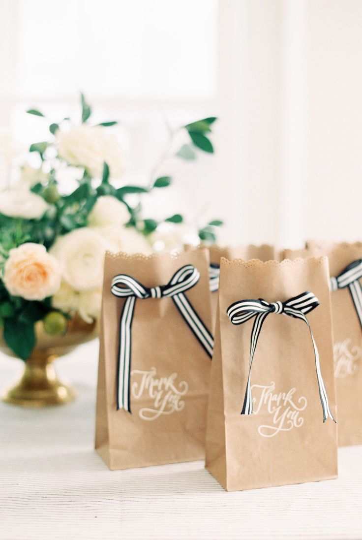Kraft bags with striped bows