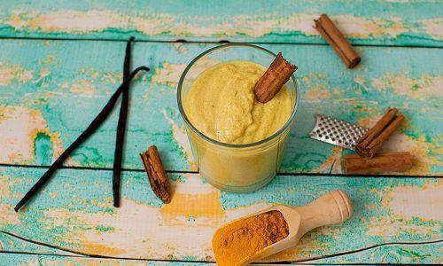 Golden Milk: il latte a base di Curcuma.  anticancro e per abbassare il colesterolo