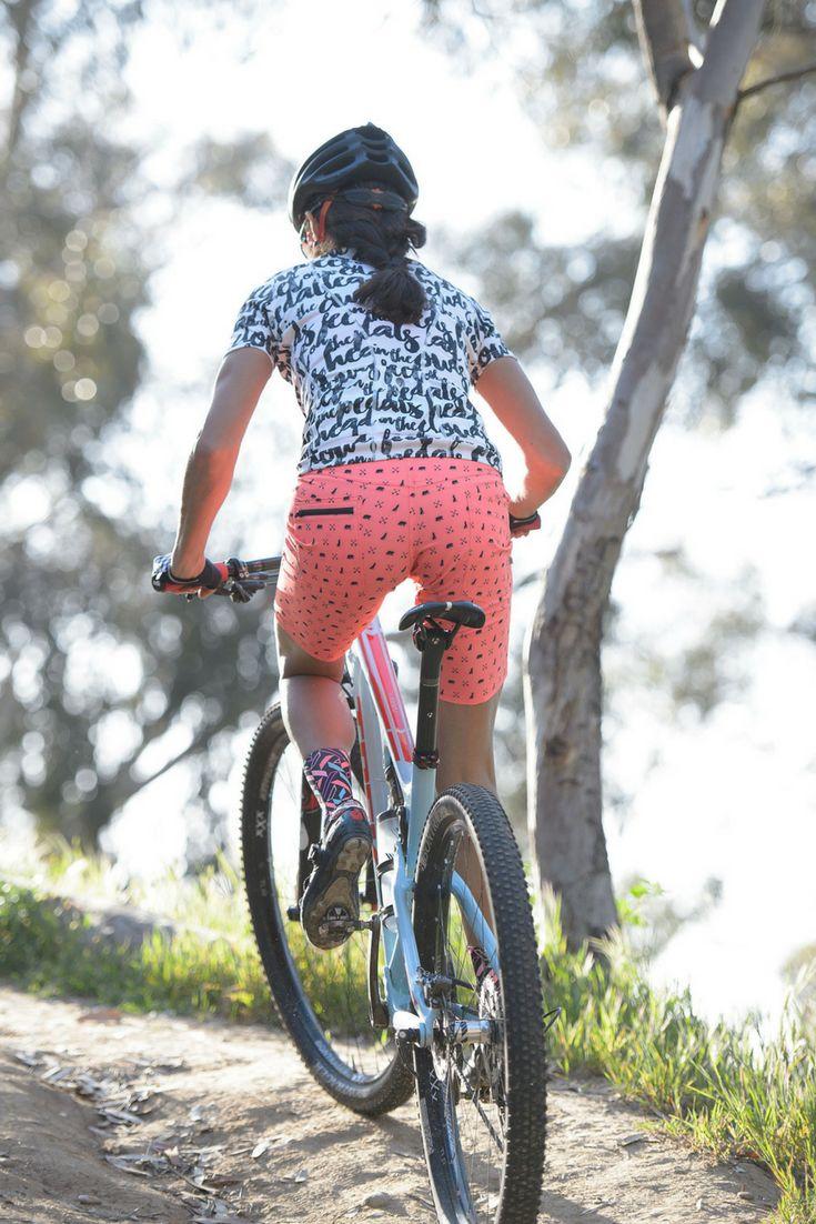 The perfect BLEND short: Hybrid roadie short meets MT Bike performance