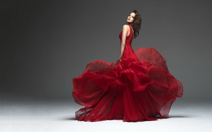 Dior Red Dress (2880x1800 wallpaper)