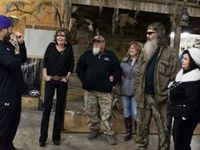 "On Wednesday, former Alaska Gov. Sarah Palin blasted ""intolerants"" for ""hatin'"" on Duck Dynasty patriarch and Duck Commander Phil Robertson for expressing his (straight) sexual preference in a magazine interview."