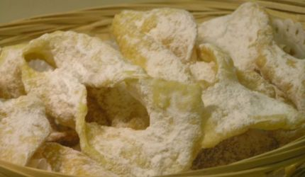 Another Fasiangy typical  fried pastry, this are from still dough.