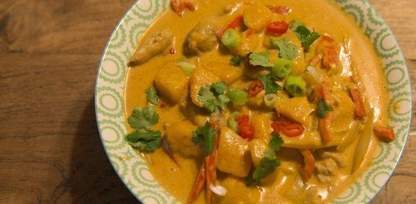Thaise curry gerecht; heerlijk met wiitte rijst, makkelijk te bereiden en genieten maar!