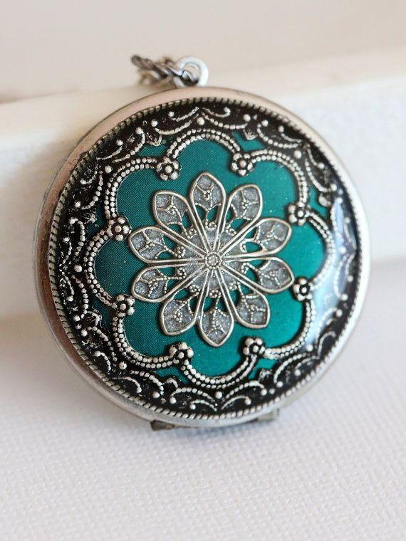 Médaillon, collier, bijoux, pendentif, médaillon argent, médaillon vert, médaillon de filigrane, médaillon photo, collier de mariage, collier de demoiselle d'honneur