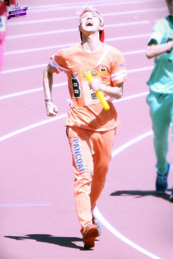 Sehun running while laughing.  This boy is crazy. Lol
