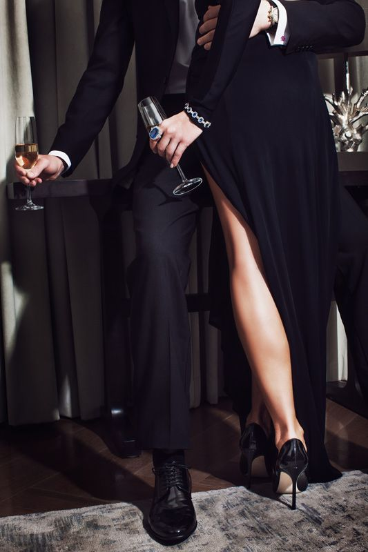 "desire-vogue: "" http://desire-vogue.tumblr.com "" http://bluewatergirl.tumblr.com/ Cocktails before going out @poetsdreamedofangels"