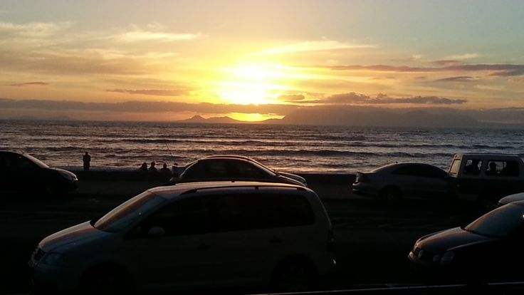 Another picture I took of the same scene of a beautiful sunset in Cape Town, by the shore :)  Taken by me (Frezanne Broens)