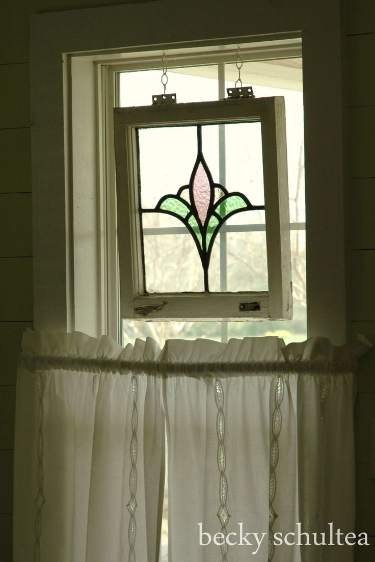 stained glass window at cottage B&B at Tara Farms in Brenham, TX