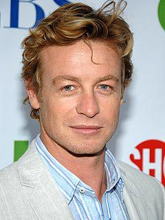 The Mentalist star Simon Baker is part of the close-knit community of Australian actors who are popular in Hollywood – but he's considering American citizenship, he reveals in a new int…