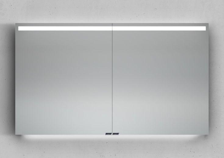 Design Spiegelschrank mit 2 beidseitig verspiegelten Türen inkl. Türdämpfungen. Die Spiegeltüren sind rechts und links angeschlagen.Maße: B/H/T 1200/700/140 mm.Im Inneren des Spiegelschranks befinden sich 4höhenverstellbare...