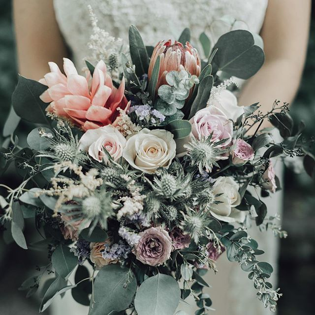 This bride ordered flowers online and put her bouquet together herself! { New wedding on the BP blog! Link in profile! }