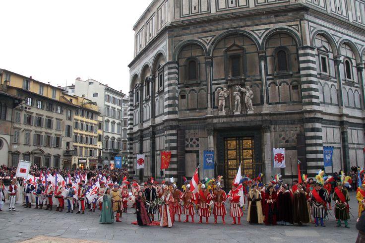 #Oggi, #Befana, a #Firenze torna la #cavalcatadeimagi -  Tra poche ore i Magi e il corteo storico in Piazza del Duomo!  http://operaduomo.firenze.it/blog/posts/torna-la-cavalcata-dei-magi