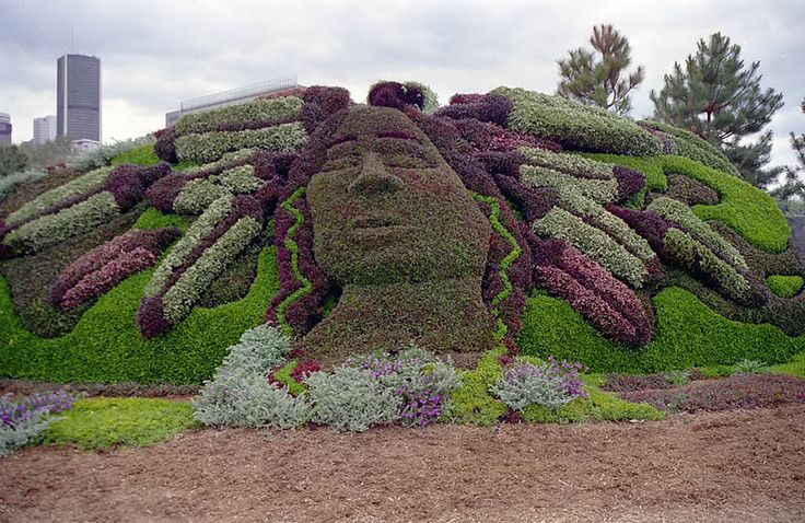 La légende Malobiannah. Edmundston, Canada  #jardinscanada #jardindemontreal