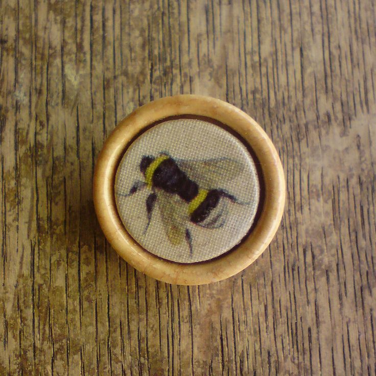 Bumble bee lapel pin buttonhole boutonniere brooch by KettleOfFishDesigns on Etsy https://www.etsy.com/listing/85864852/bumble-bee-lapel-pin-buttonhole