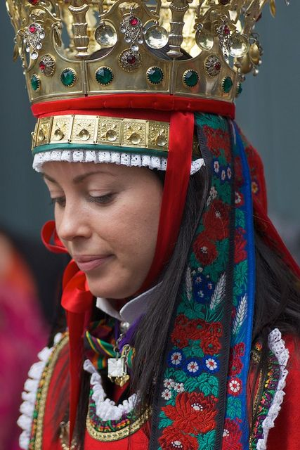 Bridal costumes from Western Norway ~ I think it's a great tradition to wear a crown at your wedding.