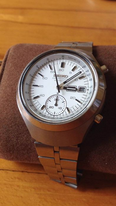 Currently at the #Catawiki auctions: Seiko automatic chronograph watch men's