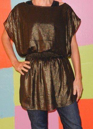 À vendre sur #vintedfrance ! http://www.vinted.fr/mode-femmes/tuniques/26336023-tunique-or-dore-paillette-style-grec-col-rond-t34-36-divided-hm-fetesoireecocktail
