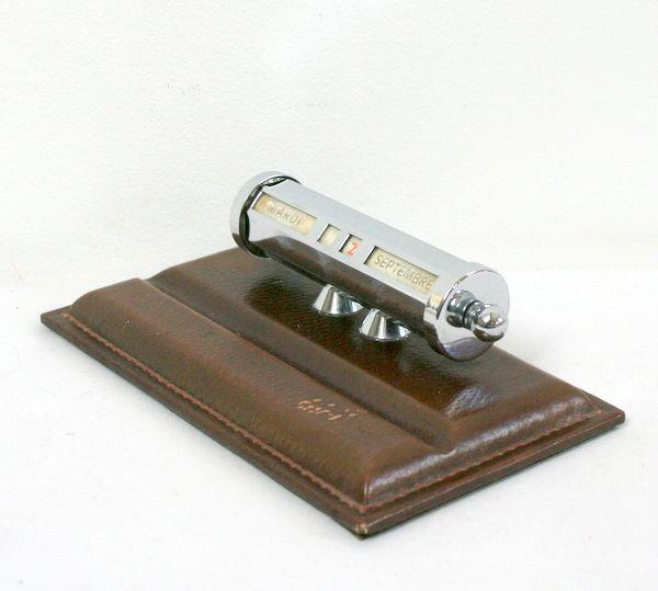 1000 id es sur le th me meubles en cuir marron sur pinterest de grandes chambres familiales - Comment enlever du stylo sur du cuir ...