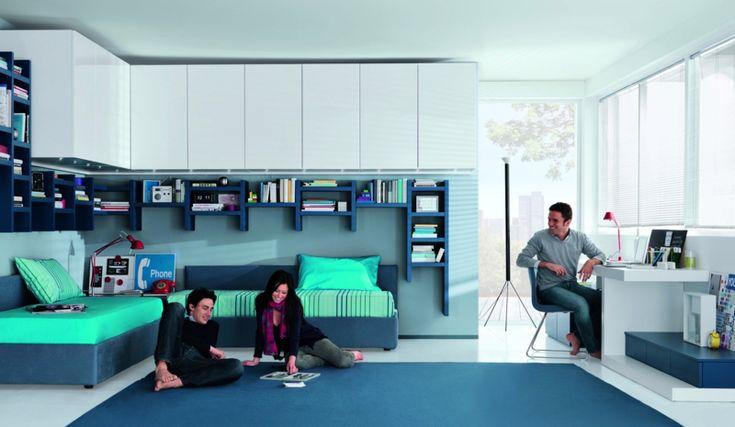 praktische Jugendzimmermöbel für Jungs in Blau