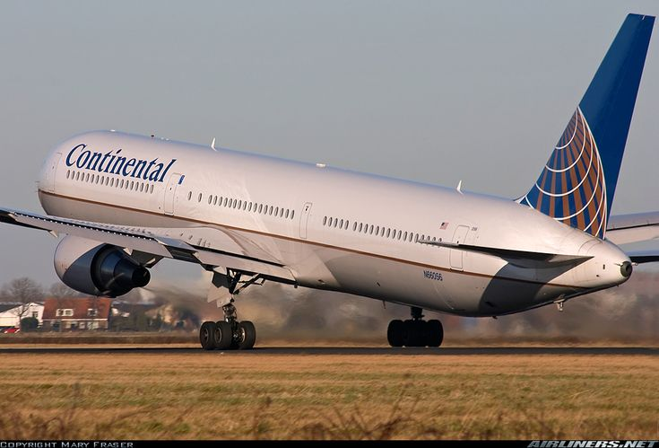 Continental Airlines N66056 Boeing 767-424/ER aircraft picture