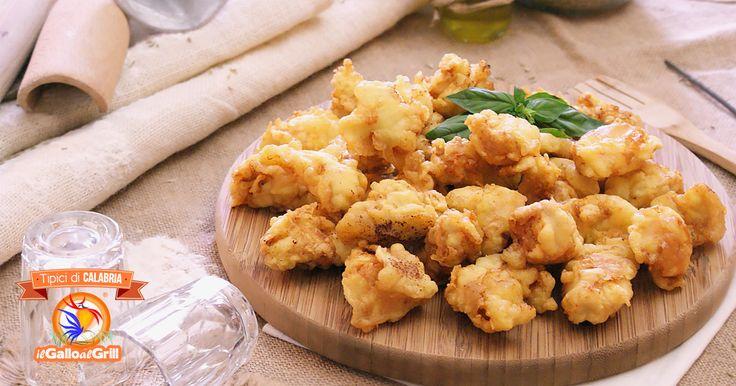 Bocconi di pollo in pastella alla Birra, un antipasto-secondo di carne bianca marinata con erbe aromatiche e birra