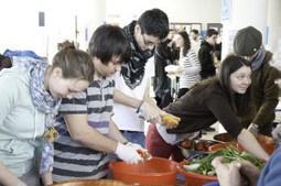 Disco Soupe : les bidouilleurs festifs contre le gaspillage alimentaire | eXcentr13