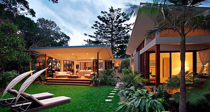 Garden design 60 39 s style bali google search my garden pinterest gardens resorts and for Bali style homes designs australia