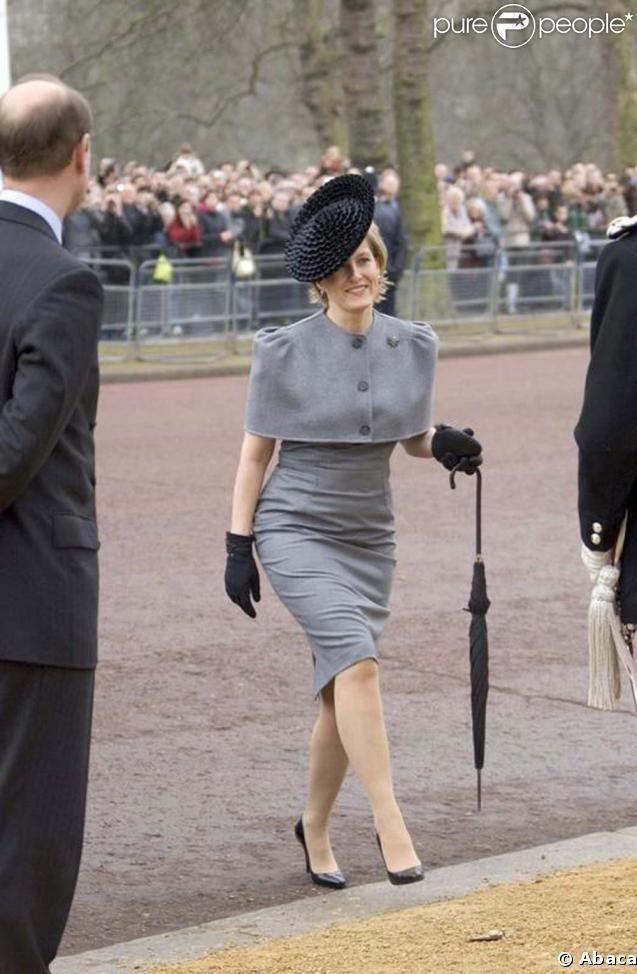 La femme du prince Edward à l'inauguration du mémorial pour la reine-mère. 24/02/09.