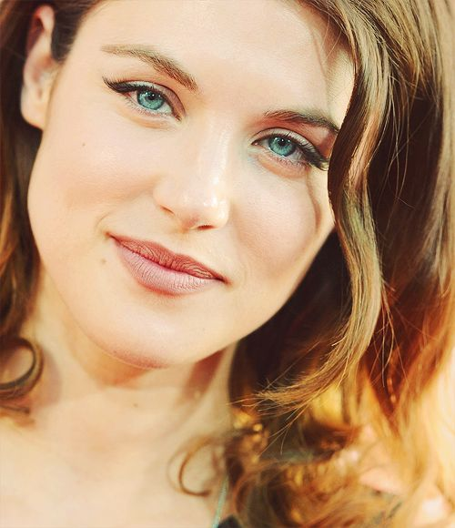 Lucy Griffiths. So purdy!