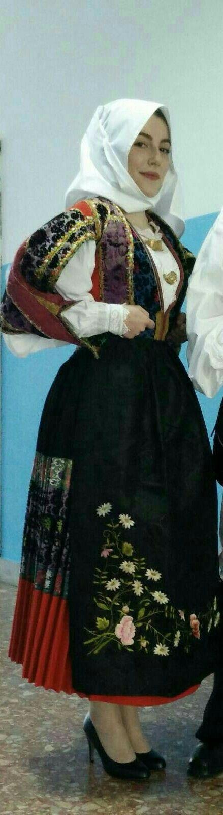 Costume a festa di Orune( Nu)