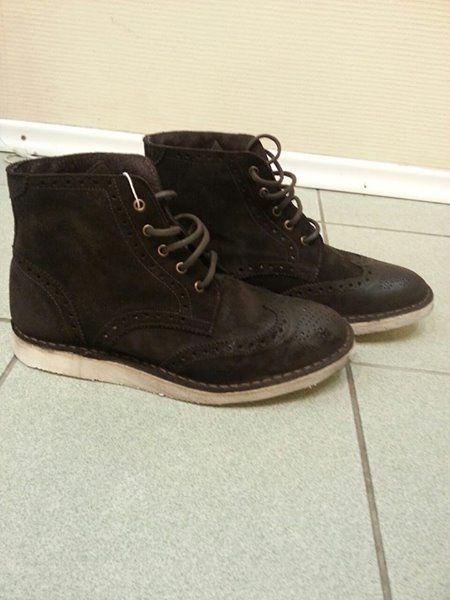 """#Обувь, #мужские #ботинки Сafenoir 43 размер 6 000 p. Станция метро """"Новые Черемушки"""" Новые ботинки, привезены из Италии. Производство Италия. верх 100% замша, внутри 100 кожа. Коробка в наличии. По стельке 28см. Продаю т.к. не подошел размер. Цвет темно коричневый. Очень стильные. +79778279010"""