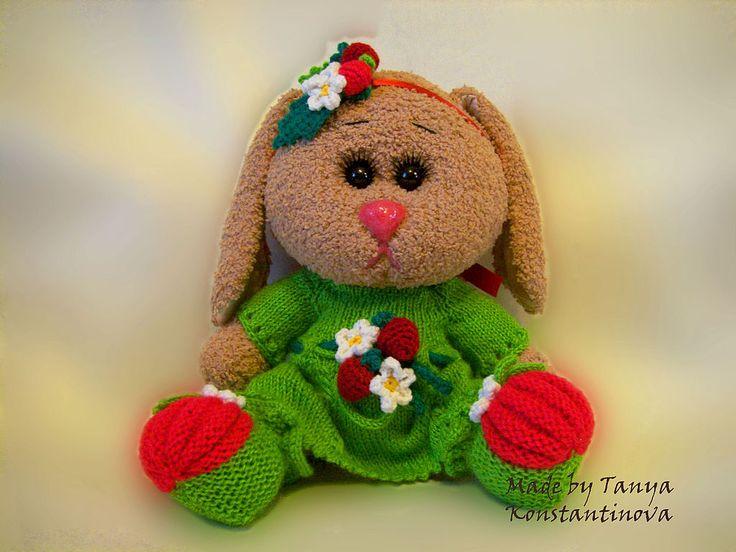 Купить Зайка Малинка - зайка, игрушка, оригинальный подарок, акриловая пряжа, холофайбер, шёрсть, ситец