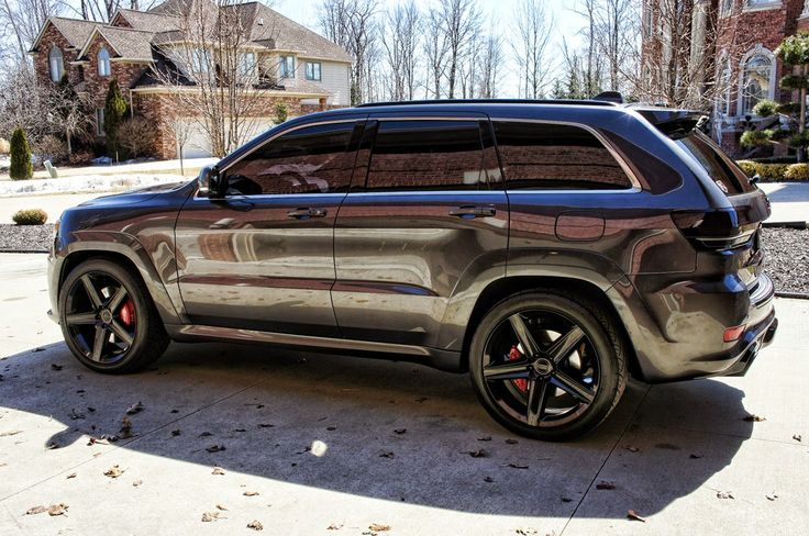Jeep Grand Cherokee SRT--- when my altitude is done it will look similar to this ... keeping the altitude rims tho!!