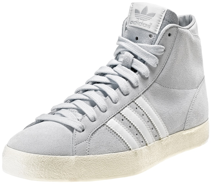 Scarpa mid in suede con suola in gomma vulcanizzata.    Prezzo: 95.00€    SHOP ONLINE:  WOMAN http://www.aw-lab.com/shop/adidas-basket-profi-suede-5032413    MAN http://www.aw-lab.com/shop/adidas-basket-profi-suede-8032413