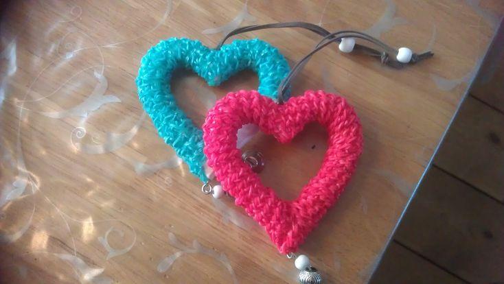 "Rainbow loom: valentijn hart  ""omloomen"", loom on a hart of Valentine - YouTube"