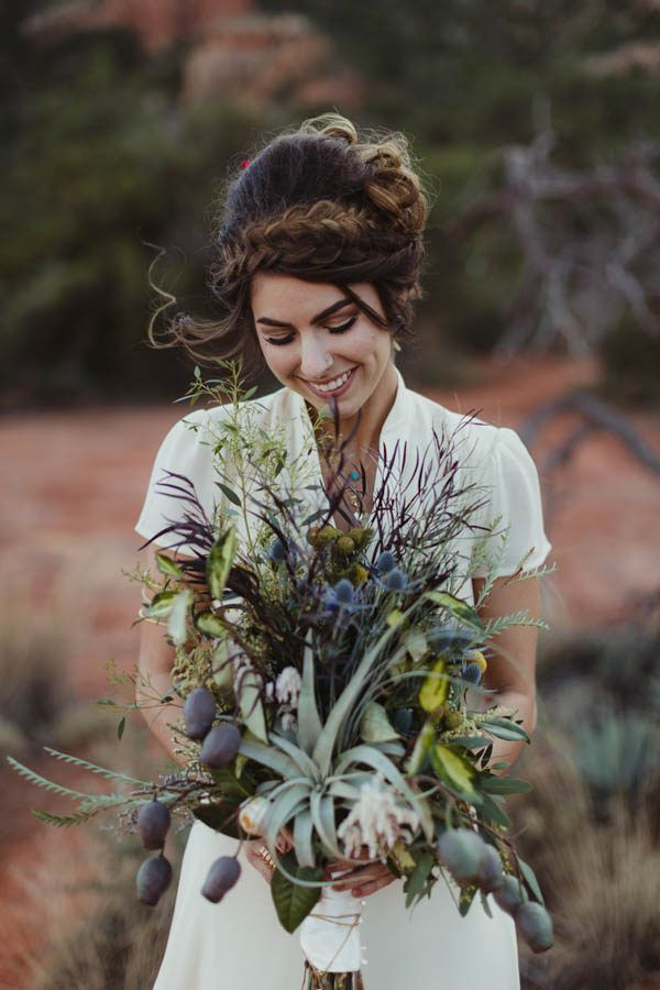 Wild Southwestern wedding bouquet | Image by Andy Roberts