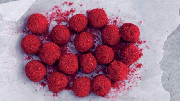 Nougatnødder med hindbærstøv   Femina