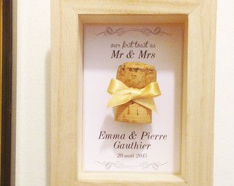 Cadeau de Mariage personnalisé : Vitrine souvenir pour le premier bouchon de Champagne de la Noce