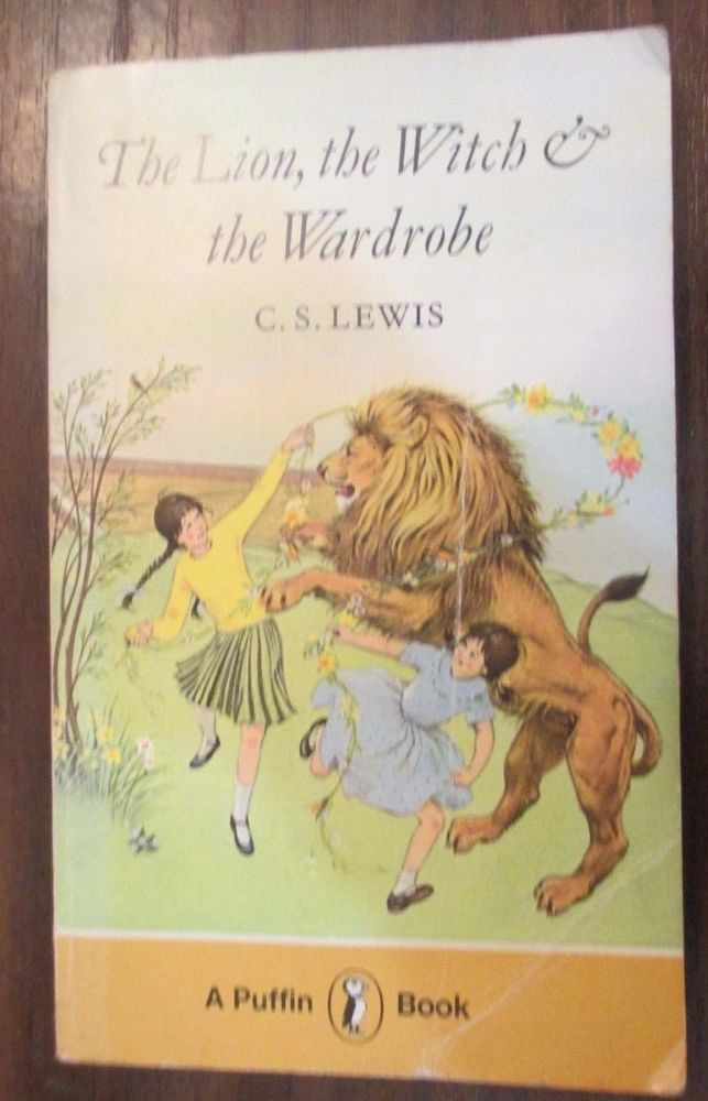 The Lion, the Witch and the Wardrobe (Puffin Books), Lewis, C. S. 0140301321