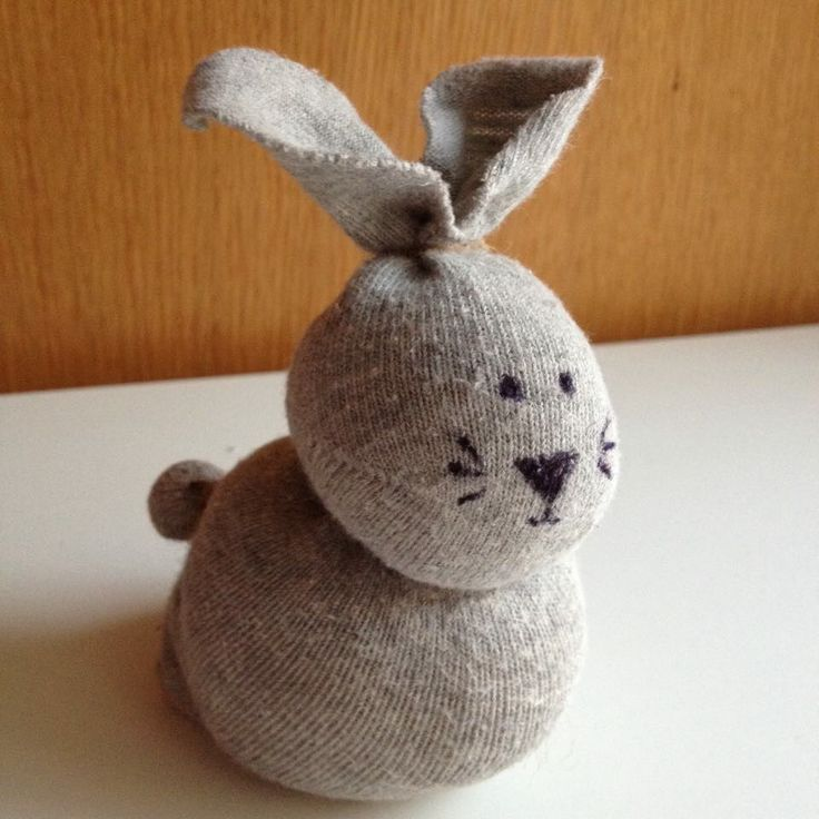Húsvéti nyuszi zokniból – varrás nélkül