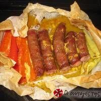 Λουκάνικο με μουστάρδα και πιπεριές στη λαδόκολλα!