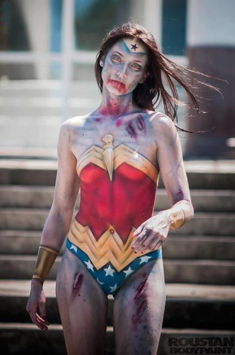 zombie Wonder Woman cosplay FTW!