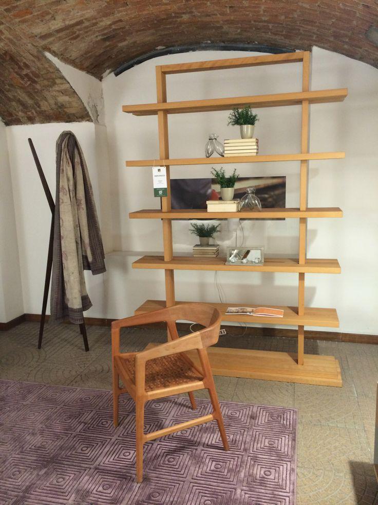 Libreria Alba freestandig #libreria #freestanding #faggio #oliodilino #SpazioRivaViva #Milano #roma #arredamento #ecologico #sostenibile #legno #legnomassello #prodottieco  #restyling #ecoshop