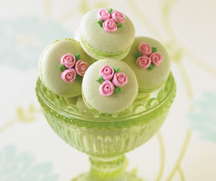 Macarons and roses....so pretty & dainty