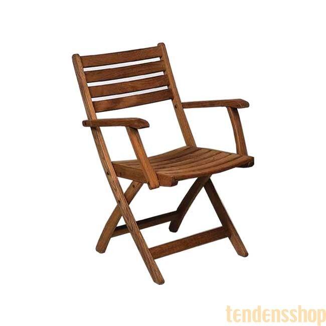 Klassisk, elegant klapstol med armlæn fra Samsø der kan klappes sammen så den næsten ingenting fylder. #klapstol #sommer #design